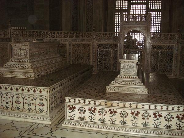 Persian Prince Tomb Taj_mahal